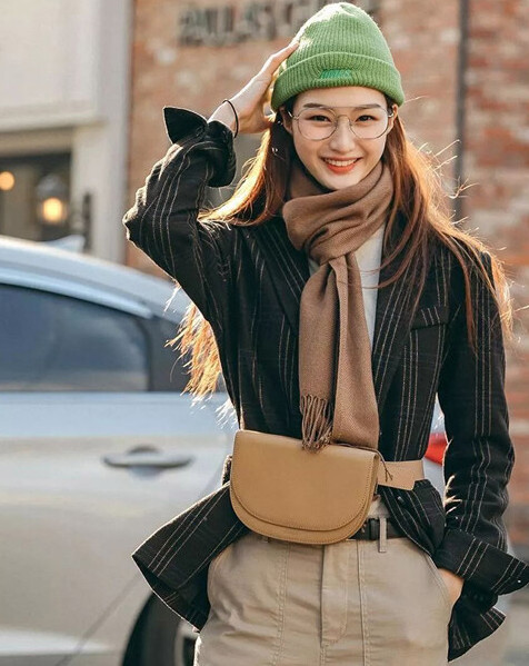 how-to-tie-a-scarf-in-stylish-way-1